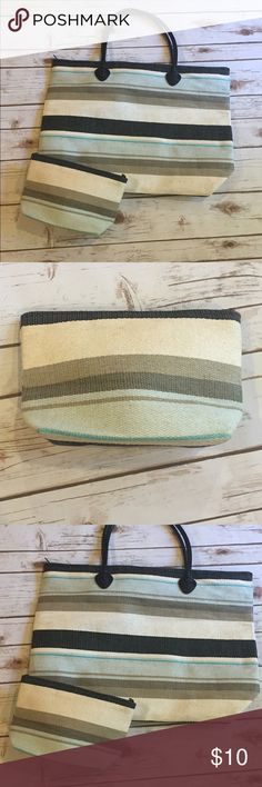 """Straw Beach Tote with pouch Used twice straw beach tote with matching pouch. Fully zipped bag. Super clean from inside. Measures 13"""" X 21"""" Bags Totes"""