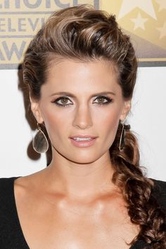 Stana Katic looking gorgeous! Her hair and makeup are absolute perfection! <3