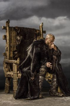 #TravisFimmel #RagnarLothbrok #Vikings #HistoryChannel Season Three Promo Pic
