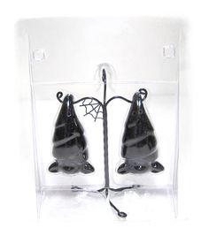 Hanging Bats Ceramic Salt & Pepper, need!