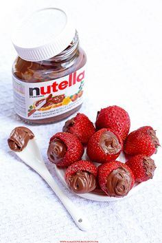 Strawberries with Nutella doesn't this look GOOD!! Well, there is no recipie as such, but the picture pretty much gives you all the directions you need!! At least I hope so!! :)