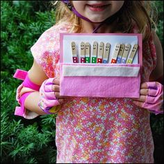 Sempre criança:    http://ellieandabbie.typepad.com/bright_eyes_bl...