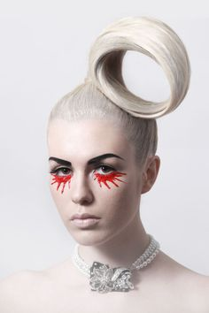 100 Avant-Garde Makeup Looks - Hair Ideas Make Up Looks, Fantasy Hair, Fantasy Makeup, Makeup Art, Hair Makeup, Makeup Geek, High Fashion Hair, Lange Blonde, Foto Fashion