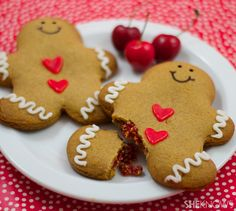Cherry-filled gingerbread man tarts recipe ~ they are like a Poptart and so yummy!