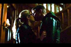 I'm not ok.#Olicity Not at all!! <3 http://marcguggenheim.tumblr.com/post/108287128859/im-sure-no-one-is-interested-in-this#notes