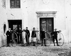 Ciclistas de Lisboa no final do séc XIX - fotografia de Francesco Rocchini.