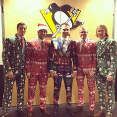 It looks like tacky Christmas sweaters threw up on them. I love it @kletang_58