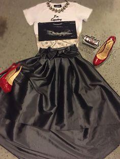#shunmelson #greyskirt #holidaylooks #louboutin #atlstylist #imexpecting #shunmelson.com