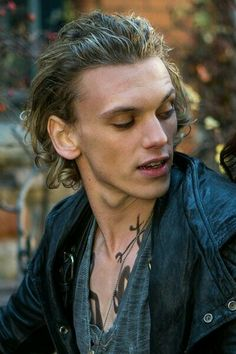 Find images and videos about Jamie Campbell Bower, jace wayland and cazadores de sombras on We Heart It - the app to get lost in what you love. Jace Wayland, Jamie Campbell Bower, Jamie Bower, Jemima West, Kevin Zegers, Cassandra Jean, Robert Sheehan, Aidan Turner, Sophie Turner
