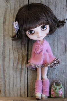 Elly is taking a vacation in Hawaii with Wendy (in her dreams) Peri is seeing what it's like to be a model :O) Pretty Dolls, Beautiful Dolls, Ooak Dolls, Blythe Dolls, Cute Baby Dolls, Kawaii Doll, Little Doll, Knitted Dolls, Doll Crafts