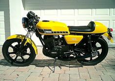 1979-Yamaha-RD400 Old school sickness