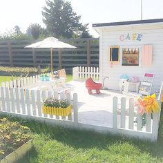 Children's play area for garden Kids Play Area, Kids Playing, Baby Kids, Backyard, Flooring, Table Decorations, Instagram Posts, Inspiration, Painting