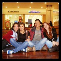 Excelente tarde en centro comercial titan plaza