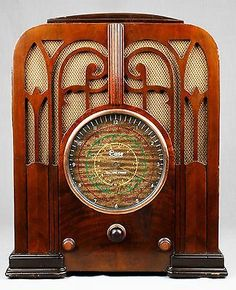1935 Imperial (Case) Wood Tombstone Vacuum Tube Radio -- L@@K!!
