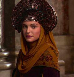 Natalie Portman as Padmé Amidala in Star Wars Episode II: Attack of the Clones Star Wars Padme, Amidala Star Wars, Queen Amidala, Film Star Wars, Star Wars Art, Natalie Portman, Sith, Starwars, Dark Vader