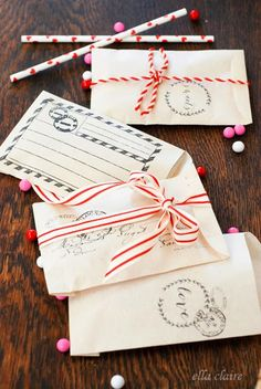 ♥ ✉ Very nice printable Valentine envelopes or treat bags. ✉ Snail mail art at its best. Perfect for sending a packet of hot cocoa or tea. I made these and they are great fun. Just a pain to cut out.