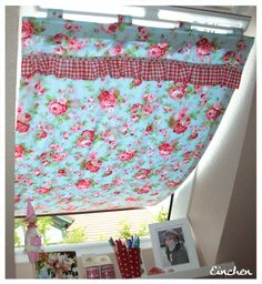 Doppelnaht: early bird und vorhang fürs dachfenster Double stitching: early bird and curtain for the roof window No Sew Curtains, Window Curtains, Sewing Projects For Beginners, Diy Projects, Roof Window, Décor Boho, Blinds For Windows, Window Design, Sewing Patterns Free