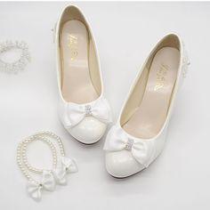 36 mejores imágenes de Zapatos de boda de marfil  3957f7fadb60
