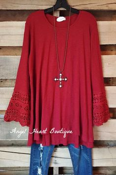 Ok, we confess! This tunic is perfection and there is absolutely no denying! You are going to want this casual, comfy printed Tunic! Plus Size Bohemian Clothing, Plus Size Boutique Dresses, Plus Size Tunic Dress, Plus Size T Shirts, Comfy Casual, Fashion Over 50, Stylish Dresses, Casual Shirts, What To Wear