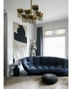 Best Ideas For Modern Interiors Design : – Picture : – Description Cozy bright living room. Sofa by Ligne Roset My Living Room, Living Room Interior, Living Spaces, Design Salon, Deco Design, Modern Interior Design, Interior Architecture, Modern Interiors, Style At Home