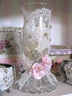 8 Unbelievable Tips: Shabby Chic Sofa Family Rooms shabby chic kitchen pantry.Shabby Chic Mirror Old Windows. Cottage Shabby Chic, Shabby Chic Vintage, Style Shabby Chic, Shaby Chic, Shabby Chic Crafts, Shabby Chic Kitchen, Shabby Chic Homes, Vintage Country, Vintage Lace
