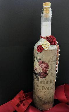Fľaša zdobená červenými a bielymi ružami a perlami / Clairet - SAShE. Decoupage, Bottle, Vintage, Home Decor, Decoration Home, Room Decor, Flask, Vintage Comics, Home Interior Design