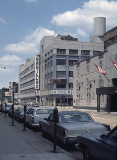 Chicago, 1976. Lawry's Restaurant. 100 East Ontario. Still there today.