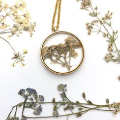 Dry Flowers necklace with resin botanical pendant and gold tone steel chain Dry Flowers, Real Flowers, Jewelry Shop, Jewelry Accessories, Clear Resin, Steel Chain, Black Enamel, Flower Necklace, Sensitive Skin