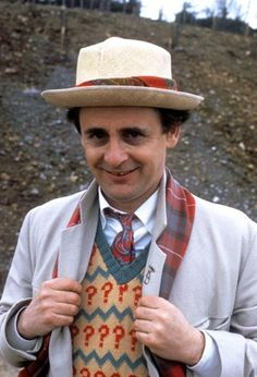 Doctor Who star Sylvester McCoy reveals why he thinks only a man can play the Time Lord | Irish Examiner
