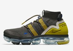 "Nike setzt auf Funktionalität: Air VaporMax Flyknit Utility in ""Ridge Rock"". Moda Sneakers, Latest Sneakers, Sneakers Mode, Sneakers Fashion, Nike Sneakers, Converse, Vans, Nike Air Max, Nike Basketball Socks"