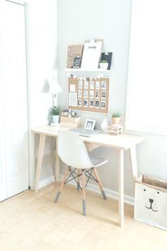 48 Elegant Office Decor Ideas For Small Apartment apartment.club 48 Elegant Office Decor Ideas For Small Apartment The post 48 Elegant Office Decor Ideas For Small Apartment apartment.club appeared first on Wohnung ideen. Home Office Design, Home Office Decor, House Design, Office Ideas, Office Designs, Office Setup, Office Style, Office Workspace, Office In Bedroom Ideas