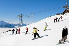 skiing and snowboarding on the Niederhorn