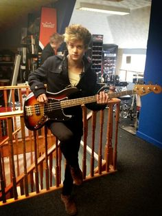 Connor Ball and I share a birthday! Will Simpson, Brad Simpson, Indie Pop Bands, The Vamps, Celebs, Celebrities, My Boyfriend, Cool Bands, Cute Boys