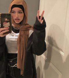 Modest Fashion Hijab, Modern Hijab Fashion, Street Hijab Fashion, Hijab Fashion Inspiration, Islamic Fashion, Teen Fashion Outfits, Muslim Fashion, Mode Outfits, Mode Abaya