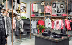 """""""Odd Molly by shoes and more"""", Germany,copper fixtures, pinned by Ton van der Veer Wardrobe Rail, Walk In Wardrobe, Retail Fixtures, Store Fixtures, Retail Store Design, Odd Molly, Market Stalls, Visual Display, Shop Fronts"""