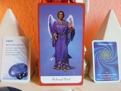 Hallo geliebte Seele,  Die Engel lassen dich wissen das wird eine magisch, mystische Woche. Schau Dir oben die Karten an, alle Farben, Ton in Ton. Die Farbe Violett fördert Dein seelisches Gleichgewicht und Deine Entschlusskraft. Gleichzeitig wirkt sie mystisch und magisch.  Erzengel Uriel der Engel, der Transformation ist diese Woche, ganz nah bei Dir.   Read More http://herzensleben.de/wochenengel-04-01-10-01-2016/