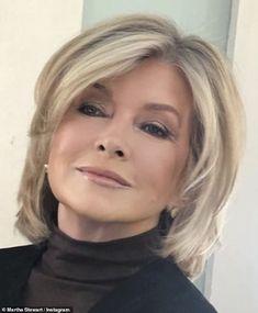 Martha Stewart stuns rocking a sleek new haircut at the salon: & a great new haircut can do! Thin Hair Haircuts, Haircut For Thick Hair, Short Wavy Hair, Short Hair With Layers, Fancy Hairstyles, New Haircuts, Trending Hairstyles, Bob Hairstyles, Medium Hair Styles