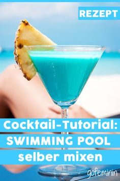 Swimming pool recipe: easily make this cocktail yourself - Shake it! Make your own swimming pool cocktail easily - Orange Juice Cocktails, Whiskey Cocktails, Easy Cocktails, Cocktail Drinks, Cocktail Recipes, Cocktail Attire, Cocktail Shaker, Cocktail Dresses, Four Loko