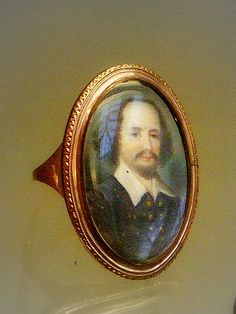 Gold ring with painted miniature depicting William Shakespeare, 18th century