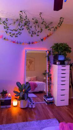 Indie Room Decor, Cute Bedroom Decor, Bedroom Decor For Teen Girls, Room Design Bedroom, Room Ideas Bedroom, Aesthetic Room Decor, Bedroom Ideas For Small Rooms, Geek Bedroom, Cool Girl Rooms