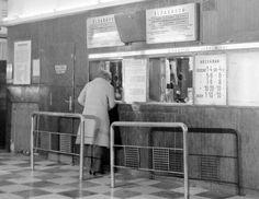 1971. A Május 1. Mozi pénztára.