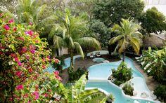 Tässä keskustassa sijaitsevassa boutiquehotellissa on ainoastaan 51 huonetta, mikä luo hotellille intiimin ja kotoisan tunnelman. Rauhallisella ja rentouttavalla allasalueella voit pelata biljardia tai nauttia allasbaarin trooppisia virvokkeita. Upea korallihiekkaranta vain 350 metrin päässä. Nauti auringosta tai vieraile Mamita's Beach Clubilla. Pienehköjä, tyylikkäästi sisustettuja kahden hengen huoneita. www.apollomatkat.fi