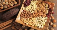 Let's Go Nuts.and Seeds! They are healthy snacks all year long as they are high in healthy fats and protein. Antidepresivo Natural, Protein Chart, Healthy Fats, Healthy Recipes, Stay Healthy, Healthy Snacks, Assorted Nuts, La Constipation, Different Vegetables