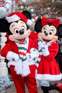 Christmas at Disneyworld is awesome. Only a few days left to enjoy the decoration and holiday parade.