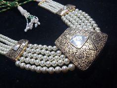 Royal Jewelry, India Jewelry, Gems Jewelry, Pearl Jewelry, Diamond Jewelry, Antique Jewelry, Rajputi Jewellery, Pearl Design, Diamond Brooch