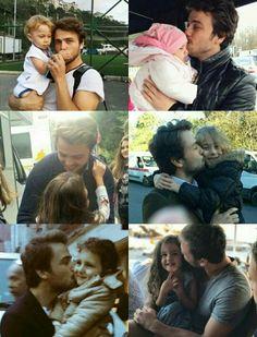 Çocuk sevgisi This Kind Of Love, Juergen Teller, Love Stars, Turkish Actors, Celebs, Celebrities, Famous People, Parents, Couple Photos