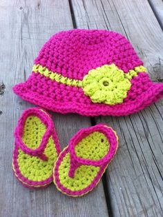Infant Sandals/Sunhat Set by YouHadMeInStitchesCa on Etsy, $25.00