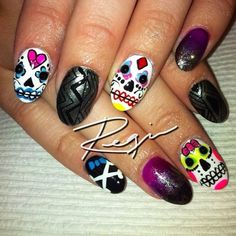 41+Amazing+Sugar+Skull+Nail+Designs