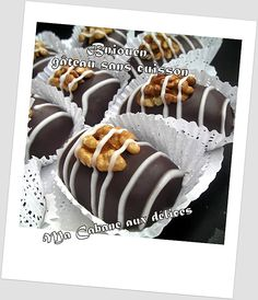 Bniouen, gateau sans cuisson Candy Recipes, Wine Recipes, Cookie Recipes, Dessert Recipes, Patisserie Fine, Biscuits, Algerian Recipes, Algerian Food, Moroccan Dishes