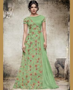 This Exclusive Gown Is An Ultimate Wedding Wear Collection With The Mesmerizing Colours Of Green . With The Artistic Embroidery,Lace Work,Zari Work And Leave No Stone Unturned And Be At Your Fashion. Source by yayuksamgres dresses indian Indian Designer Outfits, Indian Outfits, Designer Dresses, Indian Clothes, Stylish Dresses, Fashion Dresses, Long Dress Design, Long Gown Dress, Long Gowns